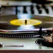 大阪の中古レコード買い取り店では、様々なジャンルのレコードを高価買い取りしております