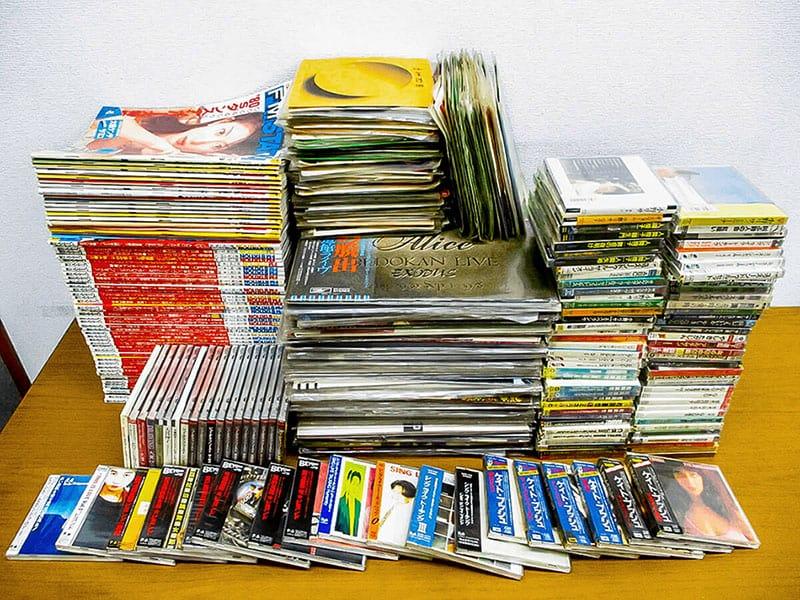 大阪のレコード買取専門店「TU-Field」では、ケイト・ブッシュ、 香港ロック、 ビヨンド、ムード音楽、ポール・モーリアなど、レコード・CDを買取買取しております
