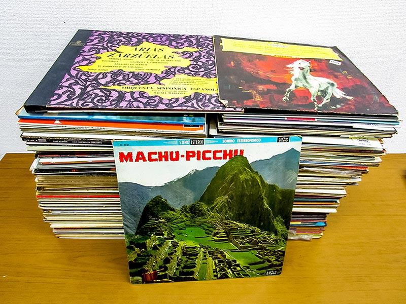 大阪のレコード買取専門店「TU-Field」では、独グラモフォンなどクラシック、ペルー、ブラジル、アルゼンチンなどワールドミュージックのLPレコードとプリメインアンプを高価買取いたしました