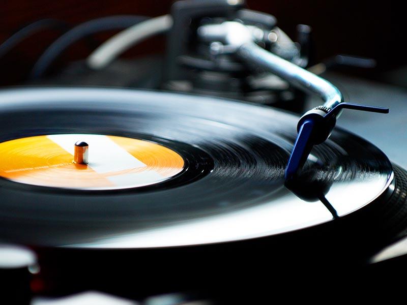 大阪のレコード買い取り店TU-Fieldでは、中古レコードを高価買取しております