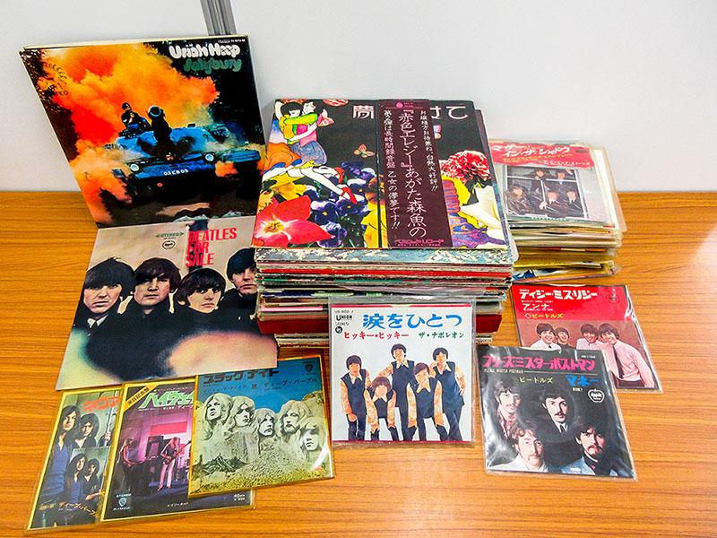 大阪のレコード買取専門店「TU-Field」では、ザ・ナポレオンのシングル、「涙をひとつ / ヒッキー・ヒッキー」など、邦楽のレコードを高価買い取りしております
