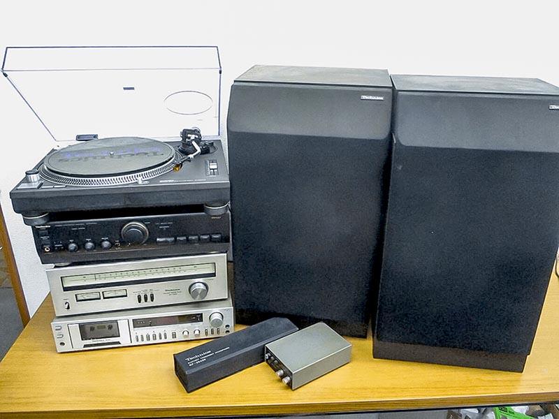 大阪のレコード買取専門店「TU-Field」では、テクニクスSL-1200シリーズのロングセラー、SL-1200mk3をはじめ、オーディオ機器にも対応いたします